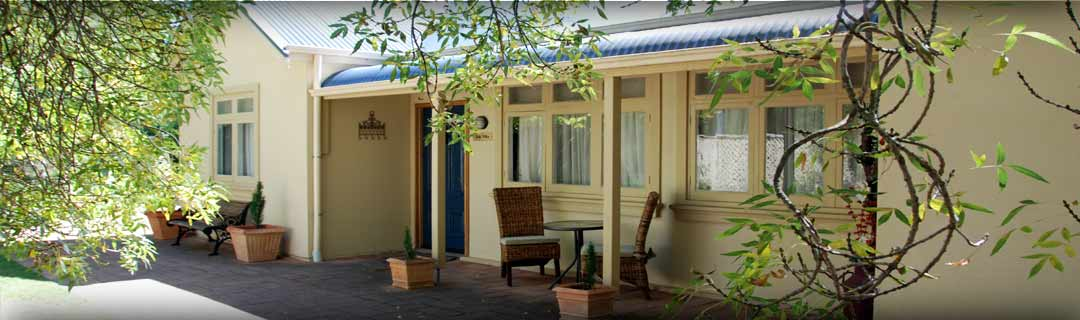 Hahndorf accommodation oak villa